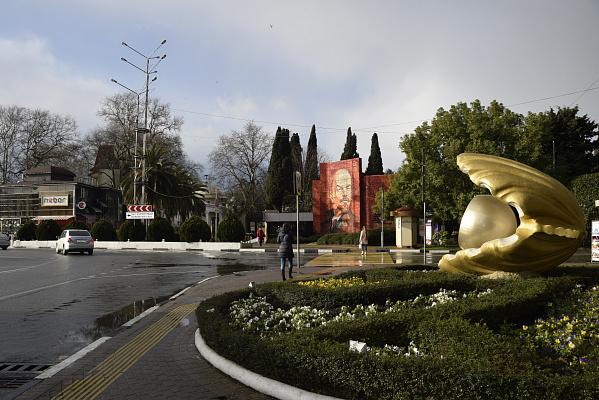 В Сочи в районе Ривьеры снесли незаконные торговые объекты.
